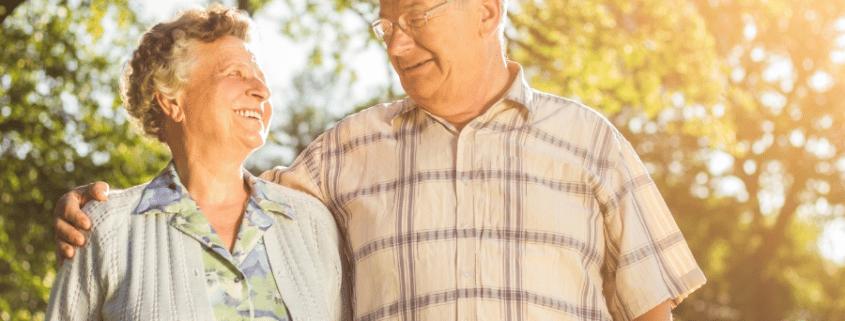 2 old people enjoying retirement
